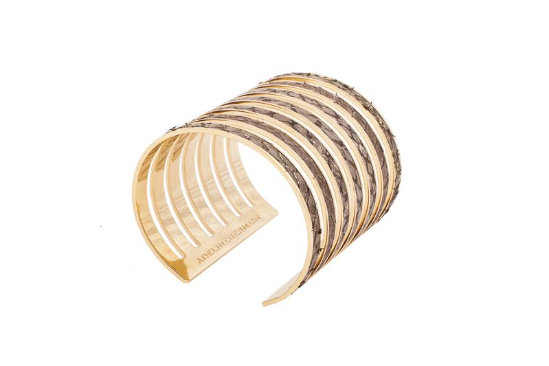 7 Seas Cuff Salmon beige with gold sparkle/gold-plated brass frame