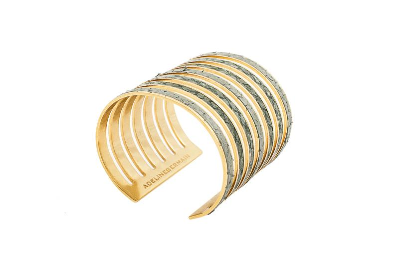 7 Seas Cuff Salmon Green gradient salmon / Gold-plated brass frame