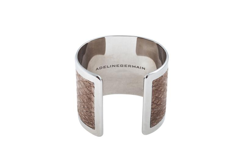 Cuff Salmon Mud salmon leather / Silver plated frame